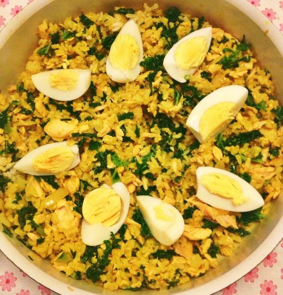 Rijst met boerenkool en zalm